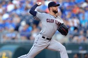 Live: Indians hurler loses no-hitter in seventh at KC